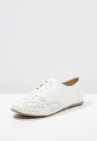 Мокасини білі на шнурівках Anna Field